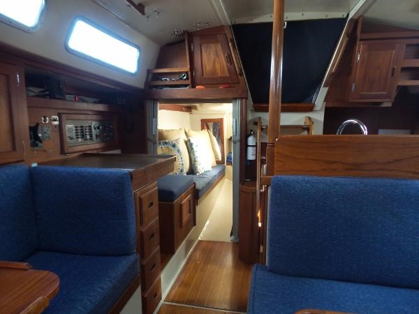 Aft cabin 1983 CATALINA 36 Cruising Sailboat 1759785