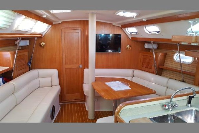 Salon 2005 CATALINA Model 400 Cruising Sailboat 1747551