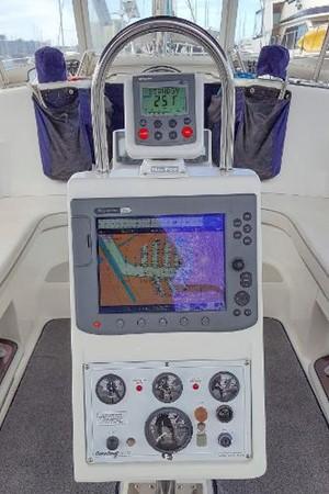GPS & Autopilot 2005 CATALINA Model 400 Cruising Sailboat 1747555