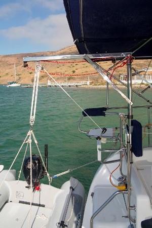 Outboard Hoist 2005 CATALINA Model 400 Cruising Sailboat 1747558