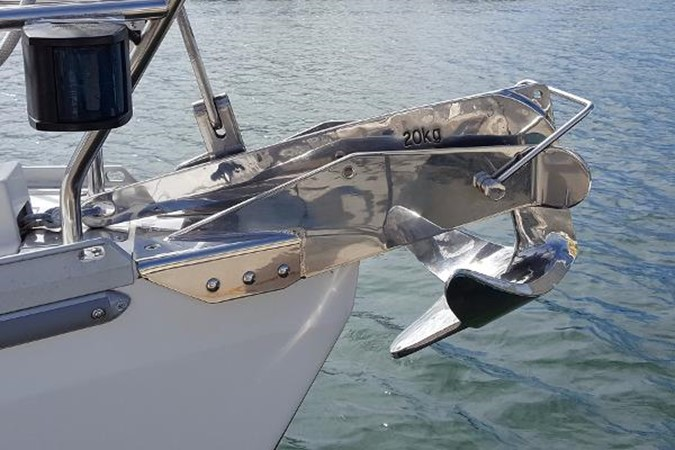 Stainless Anchor and Roller 2005 CATALINA Model 400 Cruising Sailboat 1747559