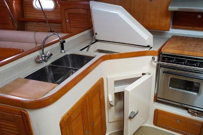 Galley 2005 CATALINA Model 400 Cruising Sailboat 1747563
