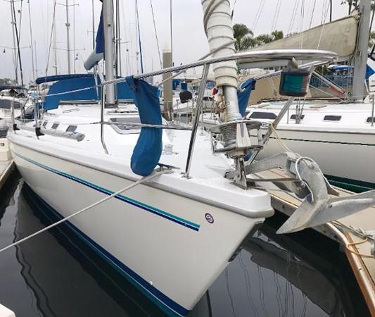 Bow view 1997 CATALINA 42 MkII Cruising Sailboat 1748755