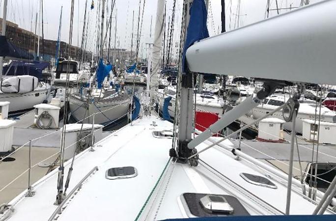 Forward deck view 1997 CATALINA 42 MkII Cruising Sailboat 1748756