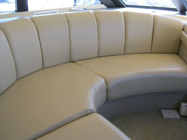 2005 CARVER 45 Voyager Motor Yacht 1759207