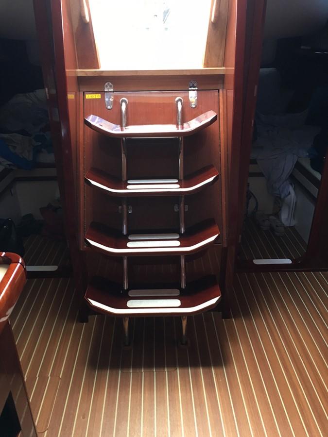 2014 MOODY Moody 45 Classic Cruising Sailboat 2394548