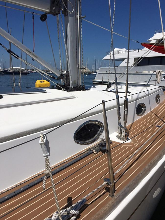 2014 MOODY Moody 45 Classic Cruising Sailboat 2394551