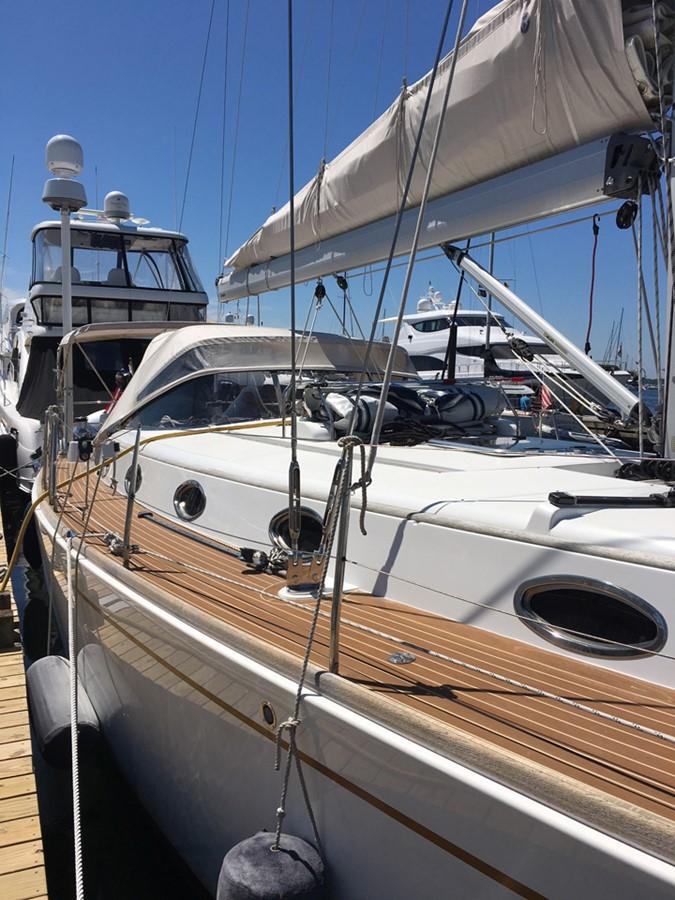 2014 MOODY Moody 45 Classic Cruising Sailboat 2394553