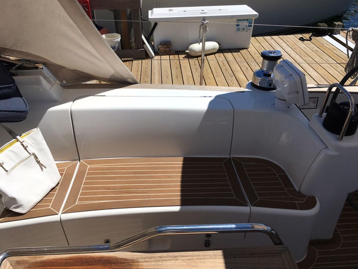 2014 MOODY Moody 45 Classic Cruising Sailboat 2394555