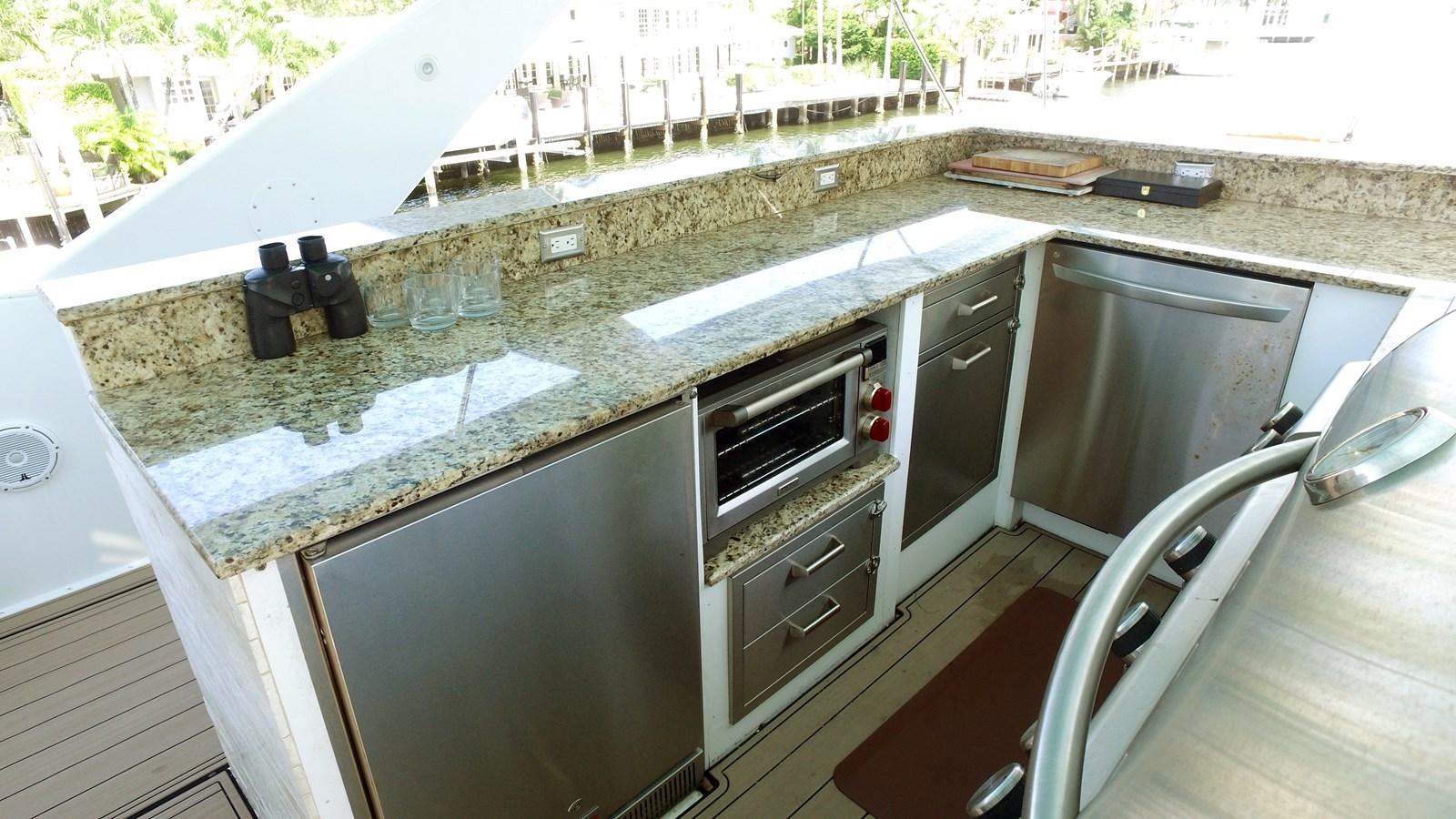 Flybridge Kitchen  1987 HATTERAS   2972790