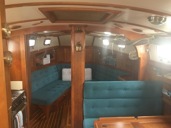 1995 GOZZARD  Cruising Sailboat 1783805