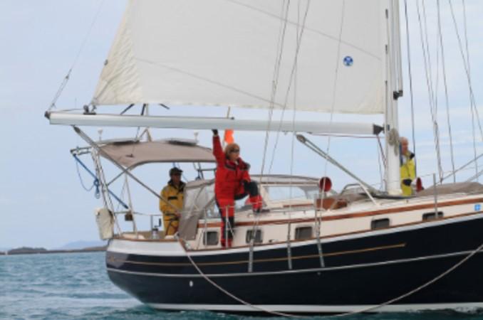 1995 GOZZARD  Cruising Sailboat 1783820