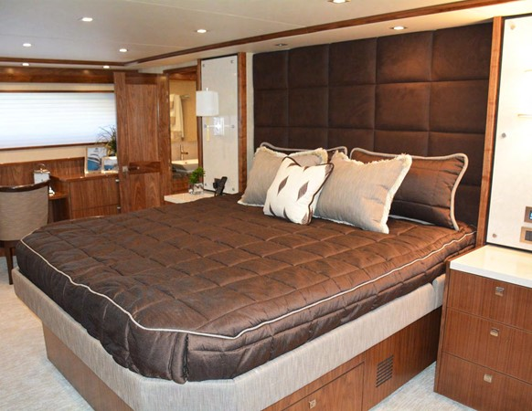 Viking 92 Skybridge - Master Stateroom 2016 VIKING 92 Skybridge Sport Fisherman 1805293