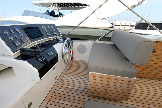 2010 CANADOS 76 Motor Yacht 1831391