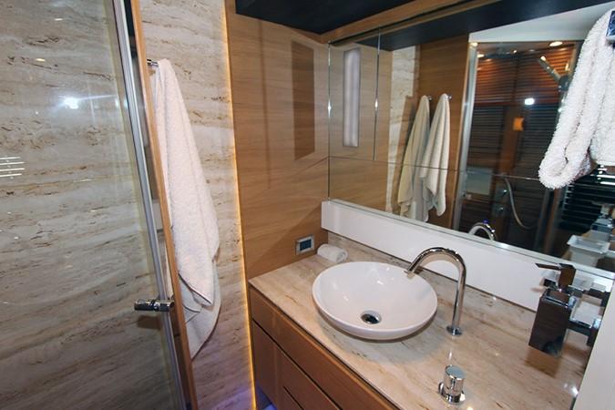 2010 CANADOS 76 Motor Yacht 1831423