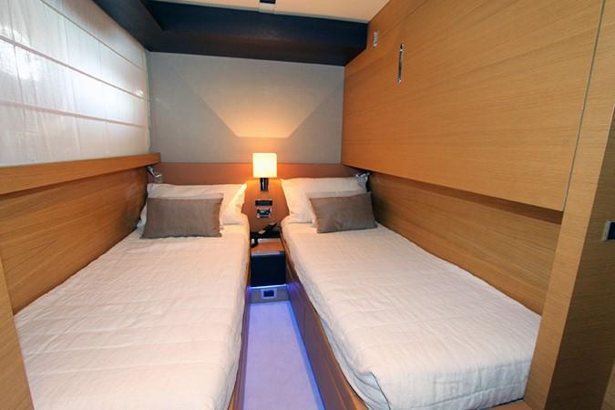 2010 CANADOS 76 Motor Yacht 1831428