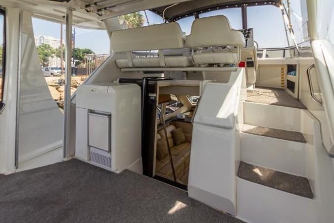 Sun Deck 1999 CARVER 404 Cockpit Motor Yacht Motor Yacht 1842237
