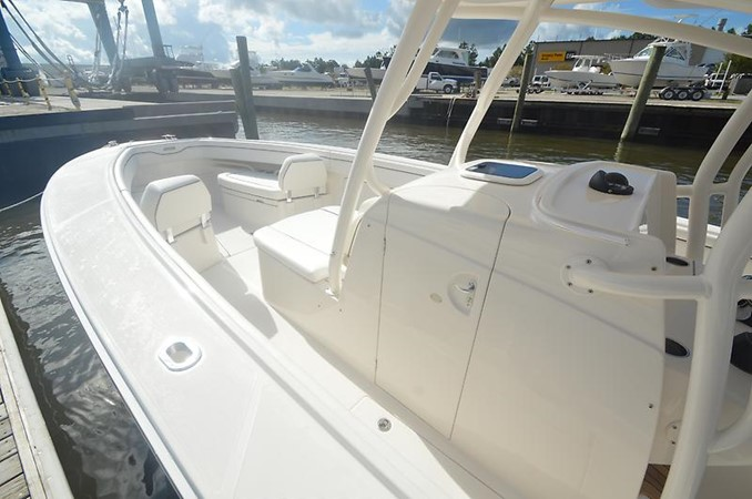 Bow 2018 JUPITER 34 HFS Center Console 2658748
