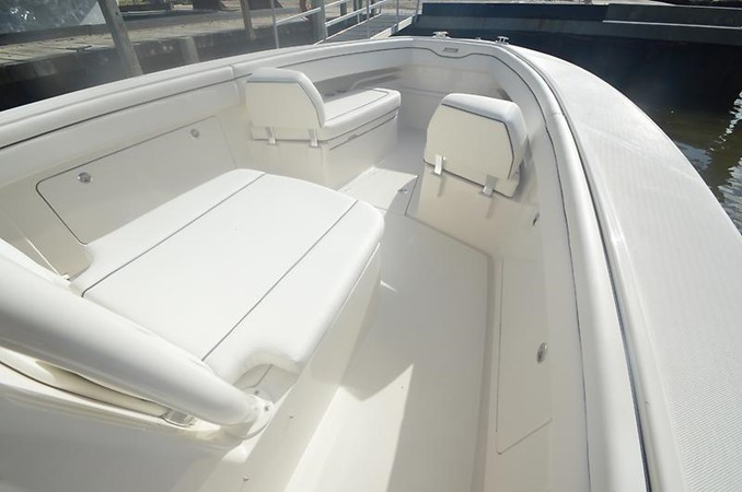 Bow 2018 JUPITER 34 HFS Center Console 2658752