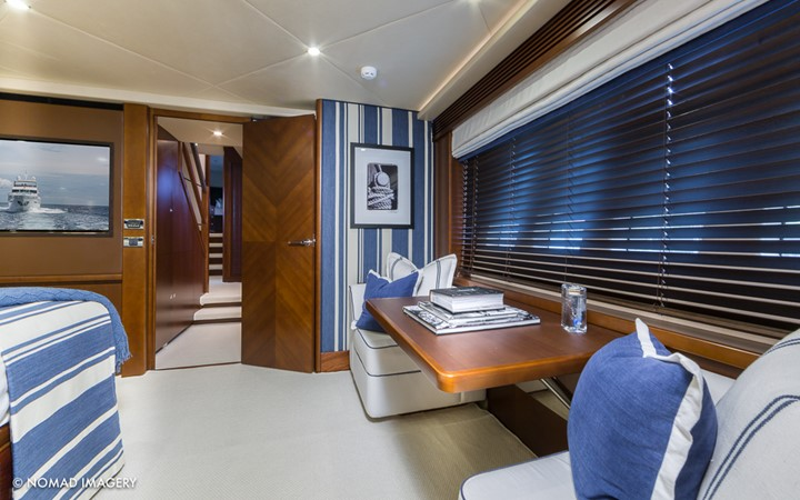 Master Stateroom Entry 2009 PRINCESS YACHTS  Flybridge 1867415