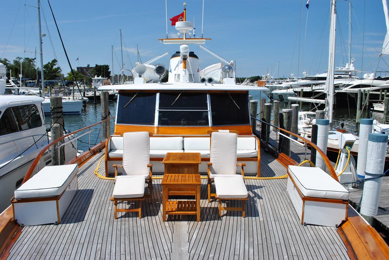 Foredeck 1965 TRUMPY  Motor Yacht 1870601