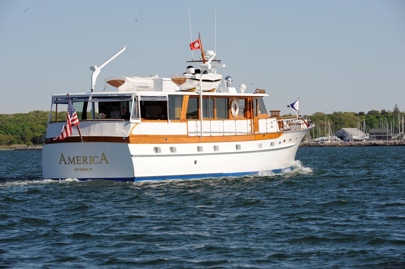 Profile  1965 TRUMPY  Motor Yacht 1870607