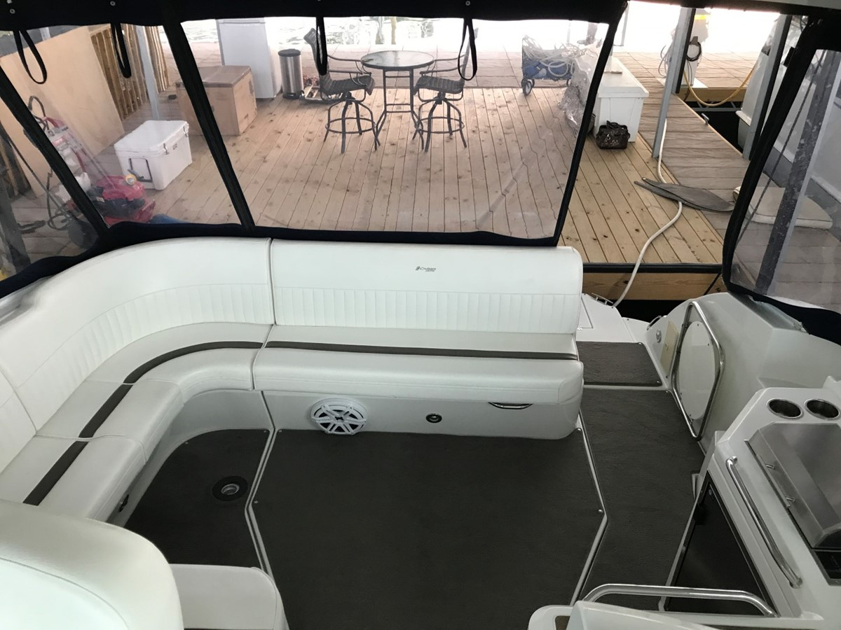 2010 CRUISERS YACHTS 420 Sport Coupe Cruiser 1876234