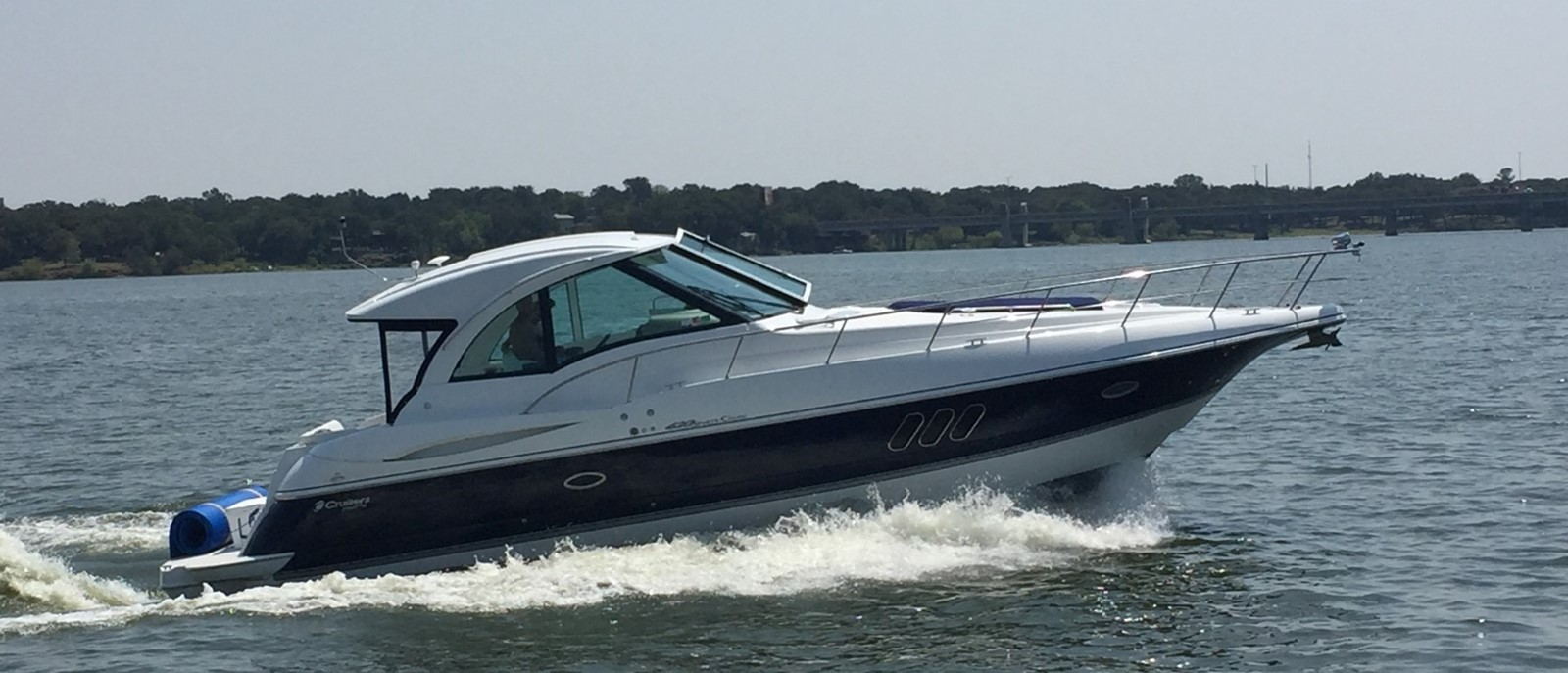 2010 CRUISERS YACHTS 420 Sport Coupe Cruiser 1880614