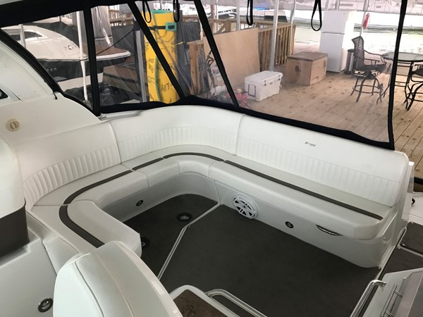 2010 Cruisers Yachts 420 Sport Coupe Cruiser 1876235