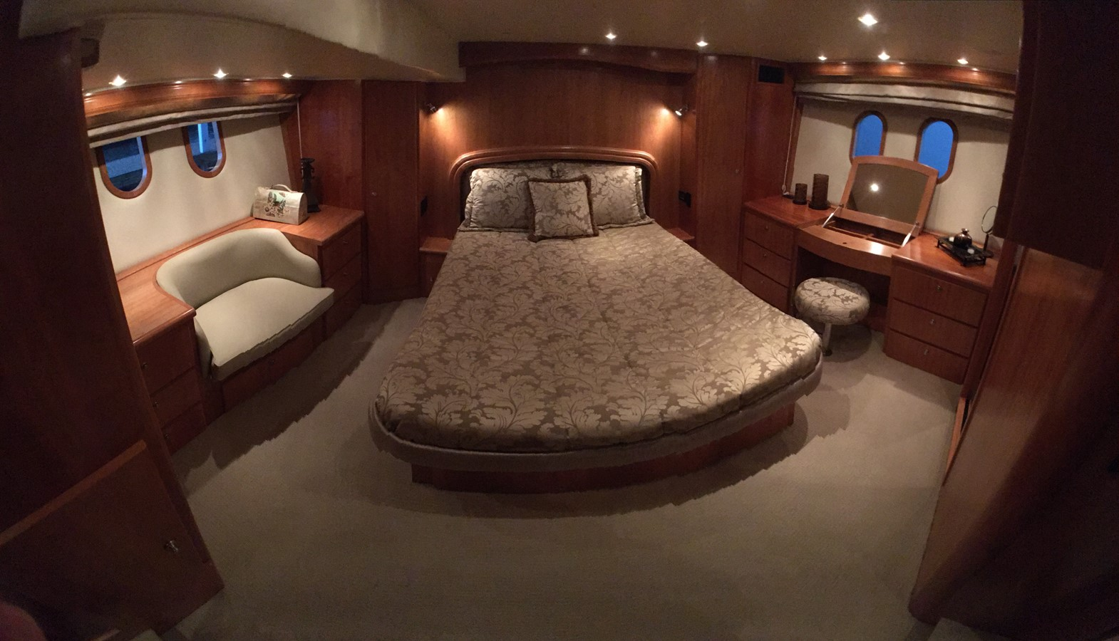 2009 NAVIGATOR 5800 Motor Yacht 1953452