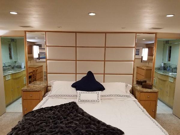 1987 BROWARD Pilot House Motor Yacht  1893923
