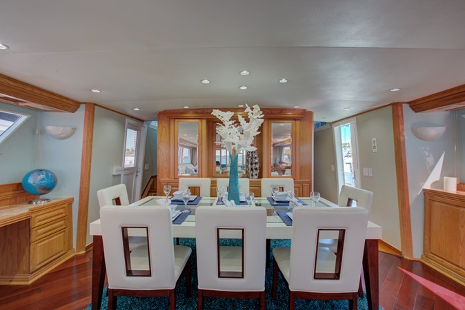 1987 BROWARD Pilot House Motor Yacht  2432534