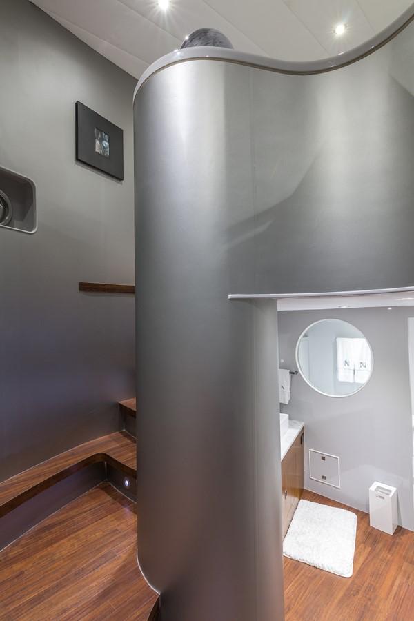 Stairs to Upper Deck 2000 HORIZON 110 Motor Yacht Motor Yacht 1895815