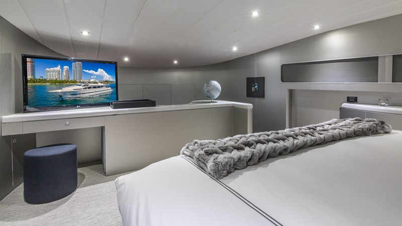 Master Stateroom 2000 HORIZON 110 Motor Yacht Motor Yacht 1895803