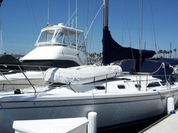 2000 CATALINA 42 MkII Cruising Sailboat 1902145