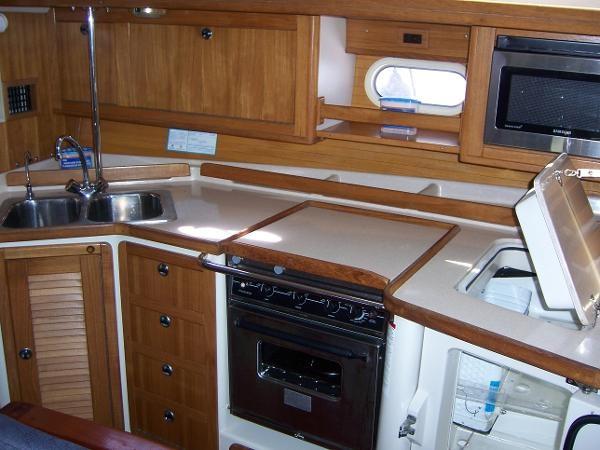 2000 CATALINA 42 MkII Cruising Sailboat 1902155