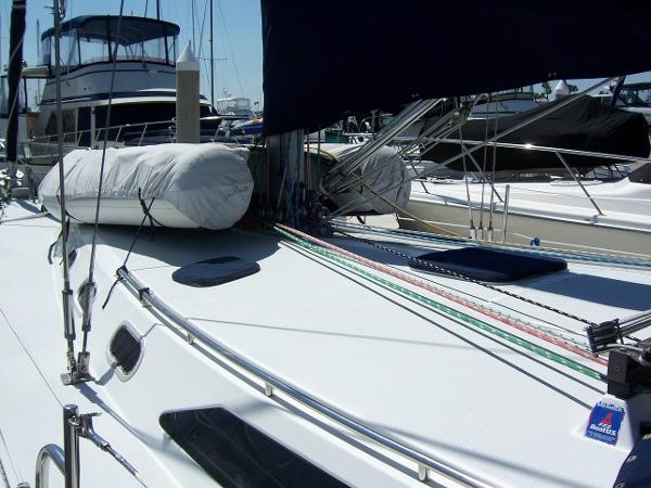 2000 CATALINA 42 MkII Cruising Sailboat 1902157