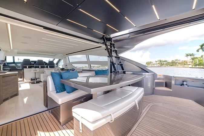 2018 PERSHING 82 Motor Yacht 2328362