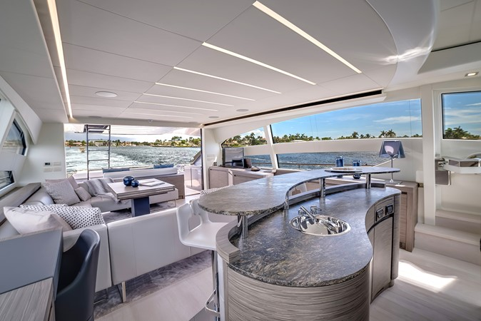 2018 PERSHING 82 Motor Yacht 2328365
