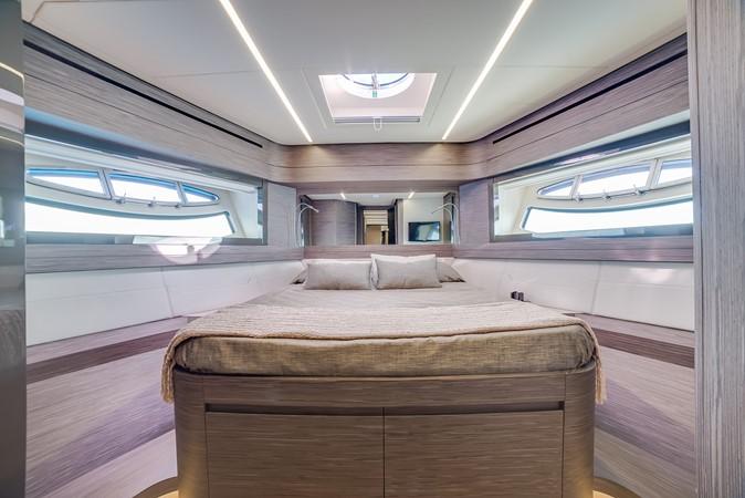 2018 PERSHING 82 Motor Yacht 2328373