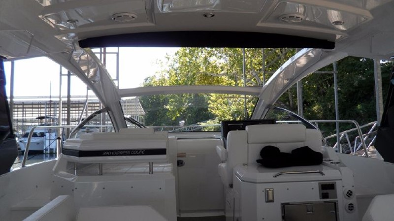 2016 Cruisers Yachts 390 Express Coupe Motor Yacht 2470839