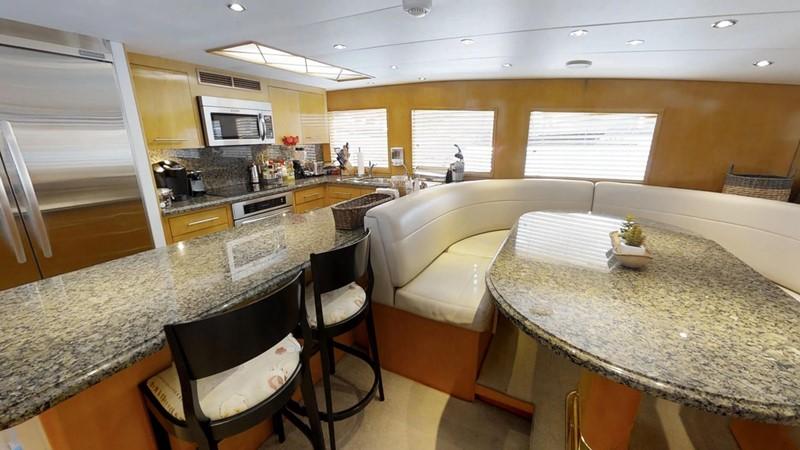 2000 HATTERAS 92 Motor Yacht 1933245