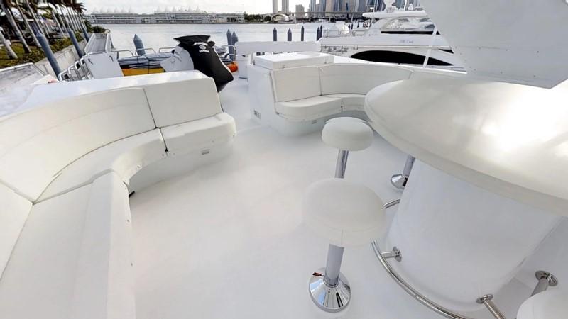 2000 HATTERAS 92 Motor Yacht 1933260