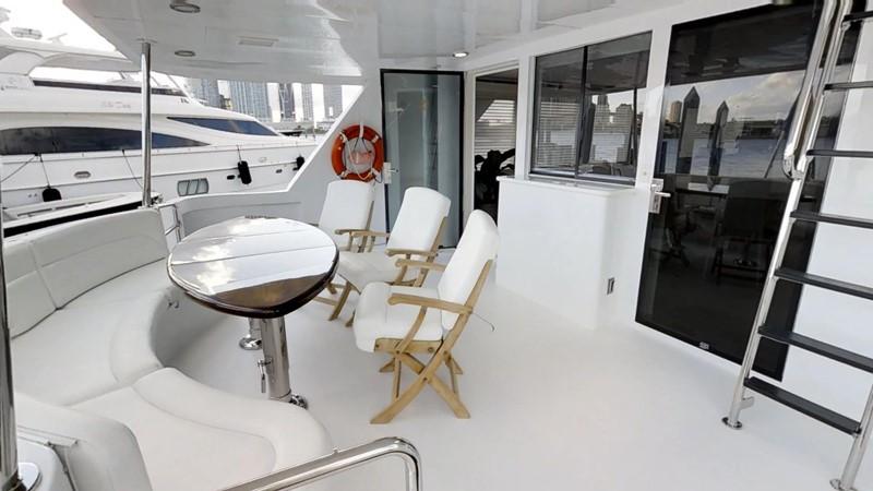 2000 HATTERAS 92 Motor Yacht 1933266