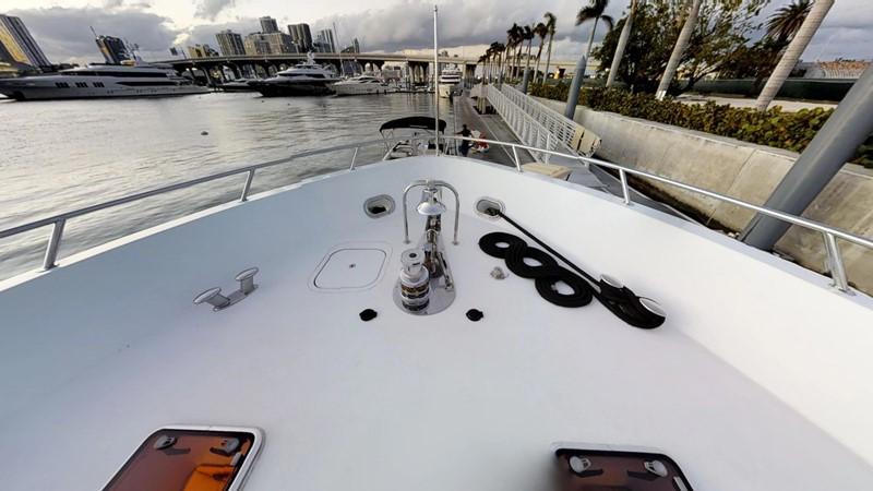 2000 HATTERAS 92 Motor Yacht 1933270