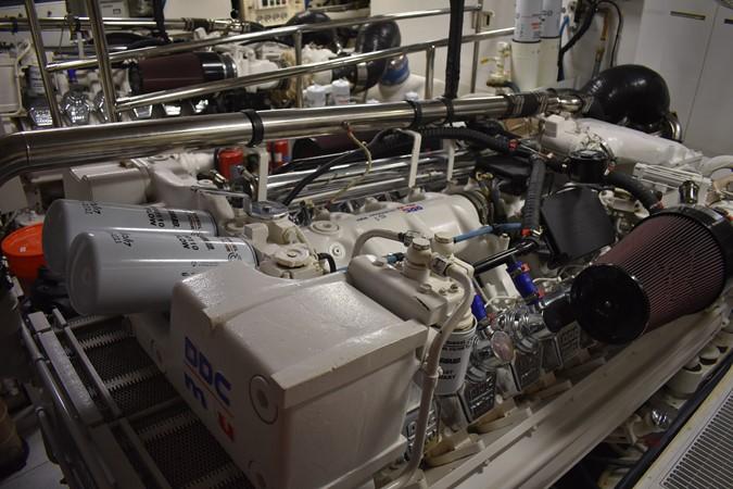 2000 HATTERAS 92 Motor Yacht 1933290