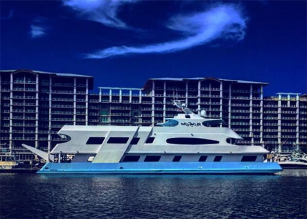 Profile 2016 CUSTOM 106 Houseboat Houseboat 1935589