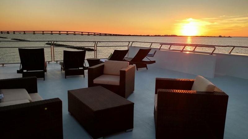 Back deck 2016 CUSTOM 106 Houseboat Houseboat 1935590