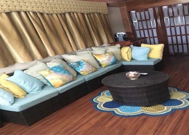 Salon Seating 2016 CUSTOM 106 Houseboat Houseboat 1935591