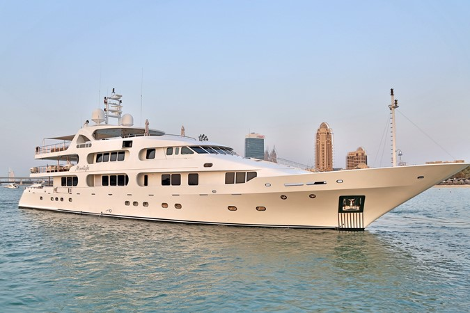 EXTERIOR FORWARD 1984 BENETTI  Displacement 1935947